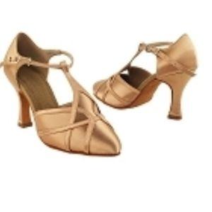 Very Fine sz 8 1/2 Dance shoes